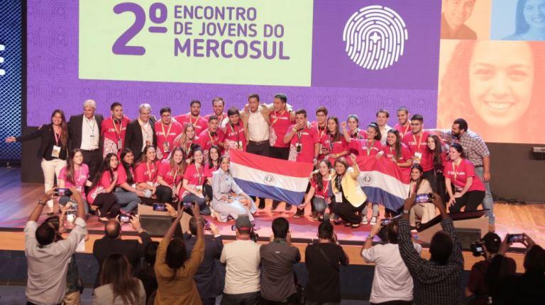 NESTLÉ ofrecerá 45.000 oportunidades de desarrollo profesional a jóvenes del Mercosur hasta el 2020