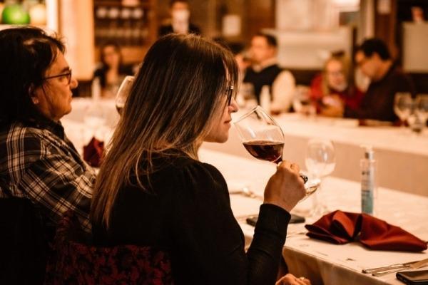 """El Hotel Casino Acaray, organiza su 66° edición del Club del vino """"Cena Maridaje"""""""
